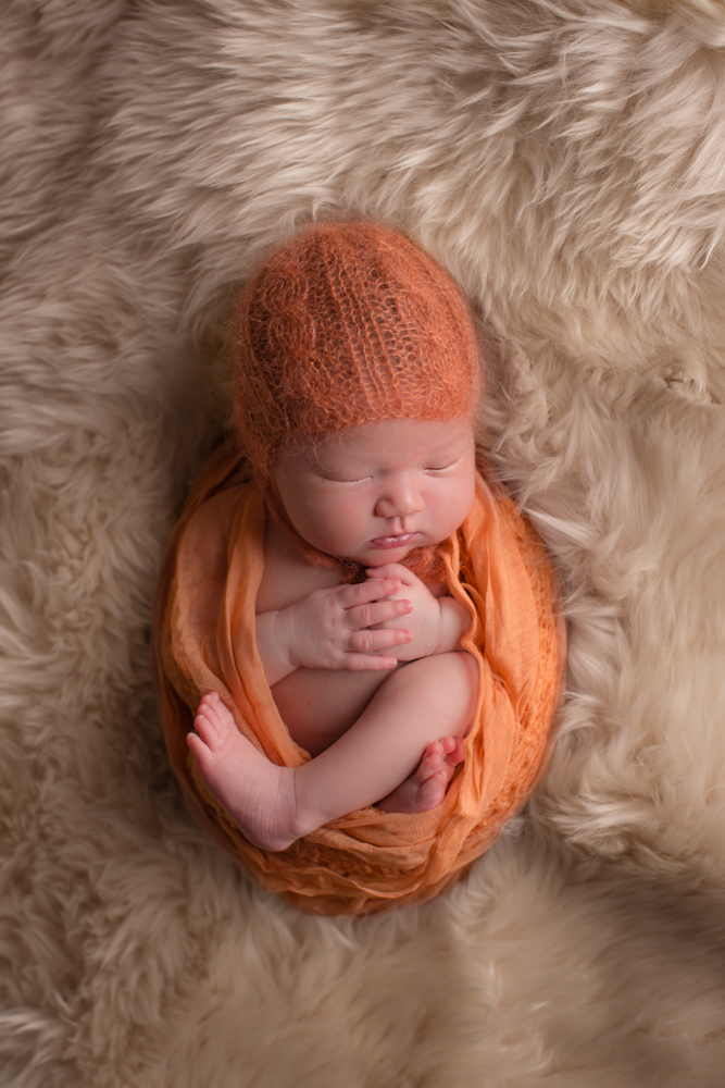 newborn-photographer-denver, colorado-newborn-photograher, baby-photos, sweet-sleeping-baby, photography-newborn-baby, photographs-newborn-baby, denver-newborn-photographer, newborn-photography-props, baby-photo-bonnet, baby-hat