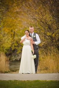 bridal-portraits, bride-and-groom-photos, colorado-wedding-photography, silverthorne-pavillion, silverthorne-wedding-photographs, fall-mountain-wedding, denver-wedding-photographer