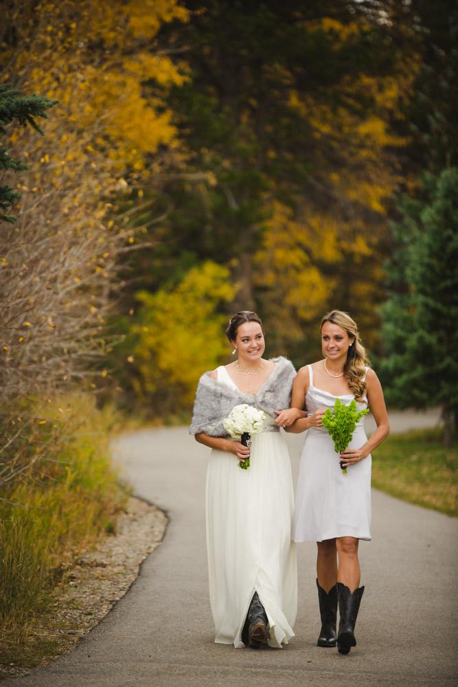 bridal-portraits, bride-and-groom-photos, colorado-wedding-photography, silverthorne-pavillion, silverthorne-wedding-photographs, fall-mountain-wedding, denver-wedding-photographer, outdoor-ceremony-mountains