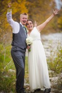 fun-wedding-photos, bridal-portraits, colorado-mountain-wedding, wedding-photography, fall-wedding-colorado, silverthorne-pavillion