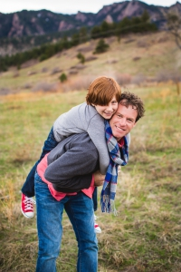 boulder-colorado, flatirons-boulder-colorado, south-mesa-trail-boulder, loving-family-photographs, family-photography-session, spring-family-photos-colorado, father-and-son, playful-parents, candid-photographs