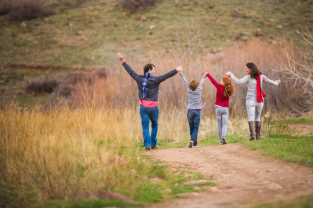 boulder-colorado, flatirons-boulder-colorado, south-mesa-trail-boulder, loving-family-photographs, family-photography-session, spring-family-photos-colorado,  candid-photographs