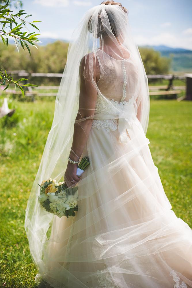 colorado-wedding-photographer, denver-weddding-photography, wedding-photographs, wyoming-wedding, bride-bouquet-photo