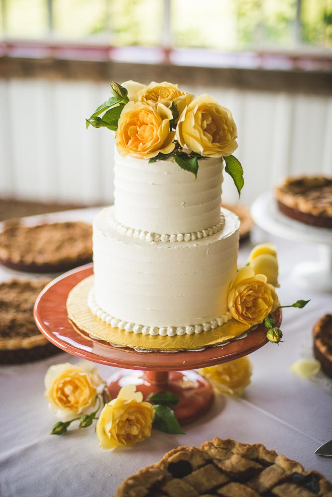 colorado-wedding-photographer, denver-weddding-photography, wedding-photographs, wyoming-wedding, rustic-wedding, barn-wedding, wedding-cake-photo, yellow-flowers