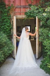 colorado-wedding-photographer, denver-weddding-photography, wedding-photographs, wyoming-wedding, bridal-portraits, back-of-dress, bride-photos