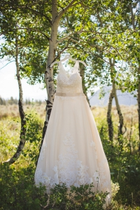 wedding-dress, tulle-wedding-dress, wedding-detail-photograph, fun-wedding-dress, wedding-dress-photos