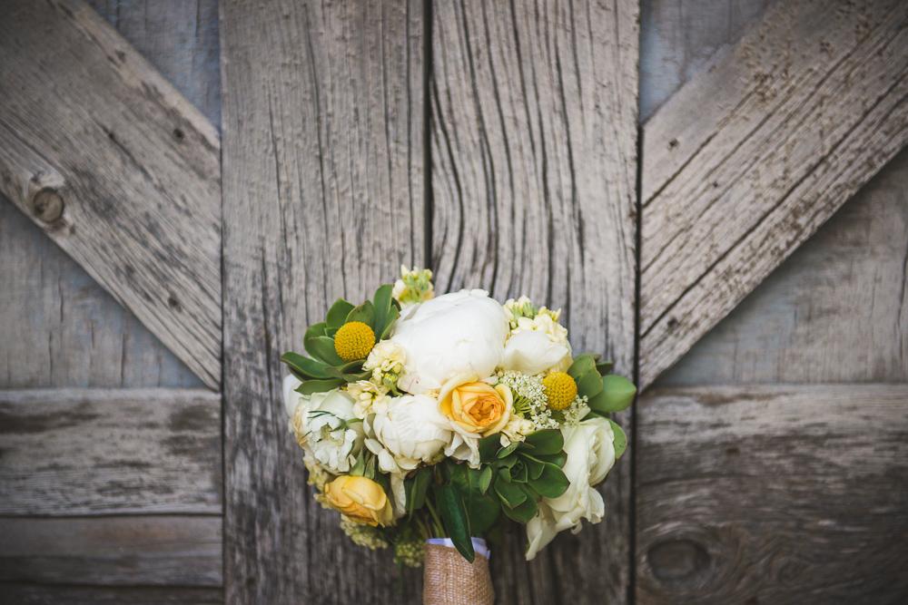 diamond-cross-ranch, colorado-wedding-photographer, denver-weddding-photography, wedding-photographs, wyoming-wedding, rustic-wedding, barn-wedding, rustic-barn-wedding, yellow-green-bouquet