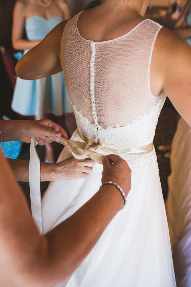 colorado-wedding-photographer, denver-weddding-photography, wedding-photographs, wyoming-wedding, bride-getting-ready-photo