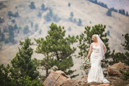 colorado-wedding-photographer, bridal-portrait, stunning-bride-mountain-top, mountain-wedding, mountain-bride, denver-wedding-photography, beautiful-bride